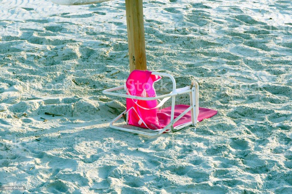 Broken Pink Beach Chair Stock Photo Download Image Now Istock