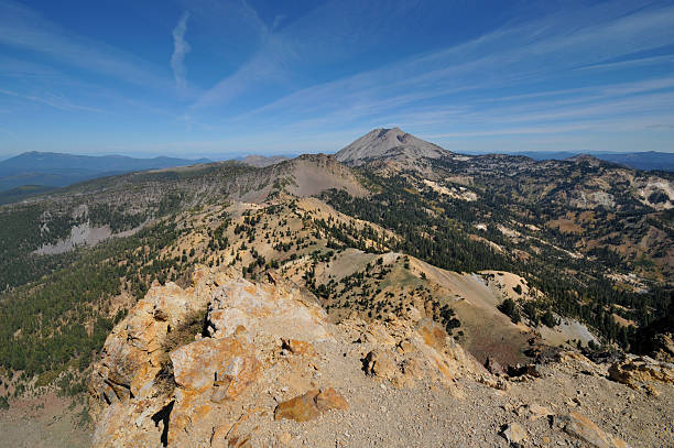 brokeoff berg, lassen peak - patrick hutter stock-fotos und bilder