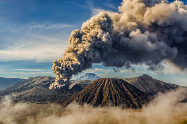 Bromo eruption Bromo mountain eruption 2016 volcano stock pictures, royalty-free photos & images