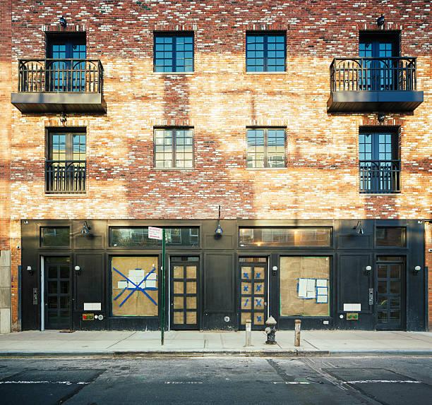 Brooklyn edifícios de apartamentos em reforma - foto de acervo