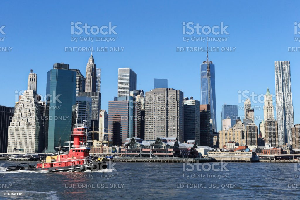 Brooklyn Bridge Park on clear winter day stock photo