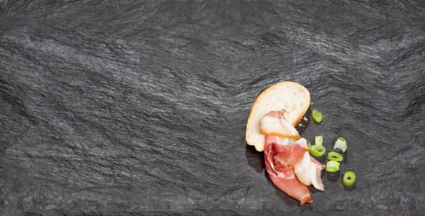brot und schinken - rezepte mit hühnerfleisch stock-fotos und bilder