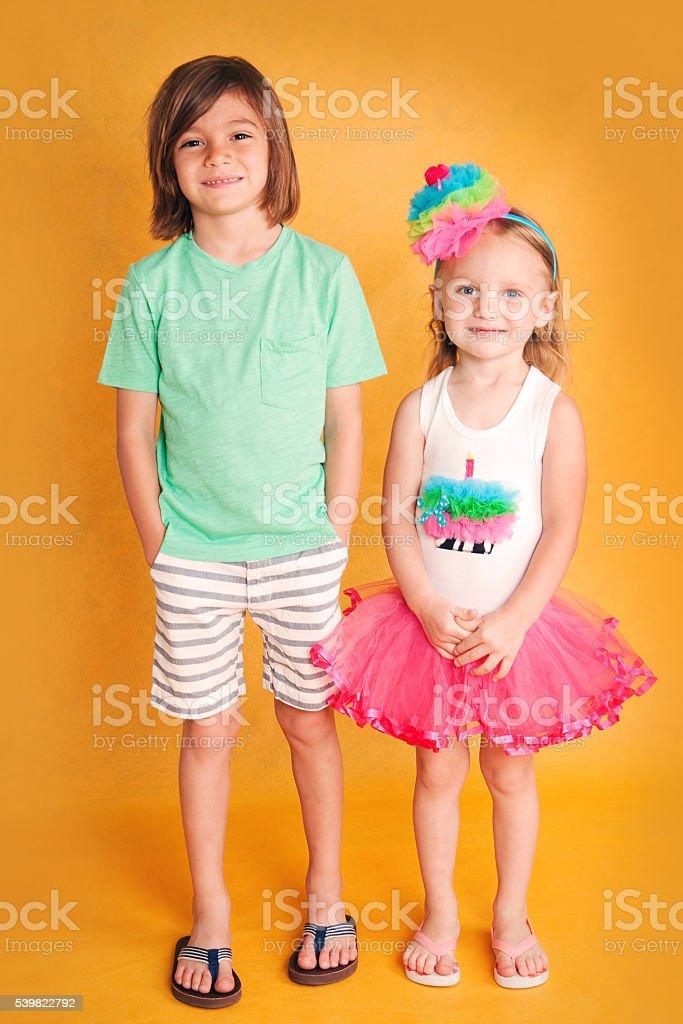 Irmão e irmã - foto de acervo