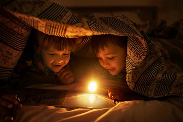 brothers are friends for life - deckenleuchte kinderzimmer stock-fotos und bilder