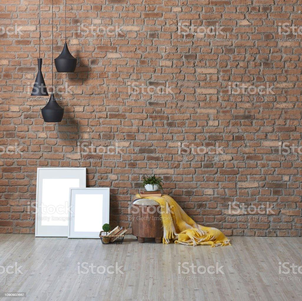 Sala de parede, moldura e lâmpada marrom tijolo. - foto de acervo