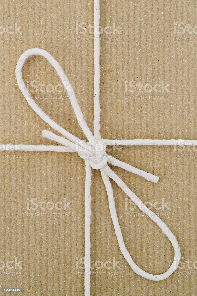 Brown paper und Schnur Vertikal Lizenzfreies stock-foto