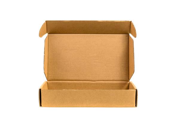 Kahverengi tepsi veya kahverengi kağıt paket ya da yumuşak gölge izole karton kutu. stok fotoğrafı
