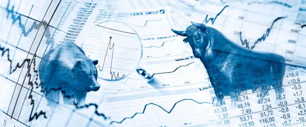 Börsensymbole Bulle, Bär, Diagramme und Kurstabellen als Symbole für die Börse monetary policy stock pictures, royalty-free photos & images