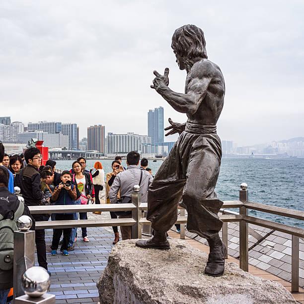Bruce Lee estátua em Hong Kong - foto de acervo