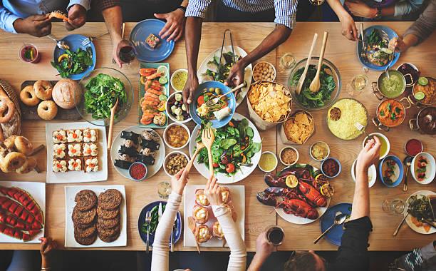 dominical elección multitud de opciones para comer del concepto de comedor - comida francesa fotografías e imágenes de stock