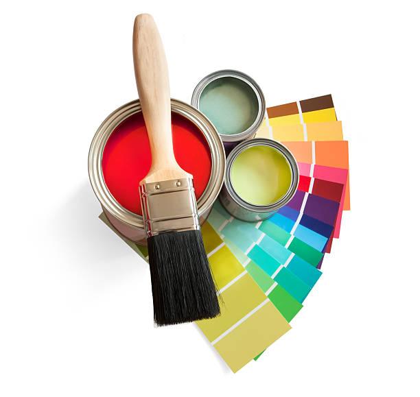 pinsel, farbe und einsätze auf weißem hintergrund - zinn farbe stock-fotos und bilder