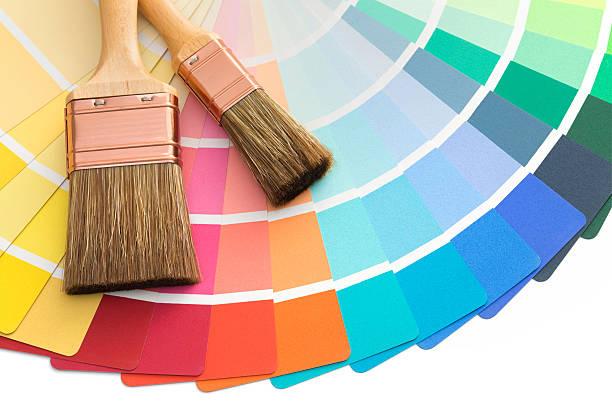 brushes on color palette guide - kleurenwaaier stockfoto's en -beelden