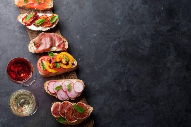 brushetta 或傳統西班牙小吃 - 開胃菜 個照片及圖片檔