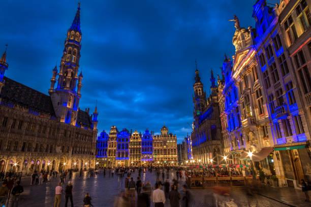 Brüssel, Grand Place im schönen Sommer bei Nacht, Belgien – Foto