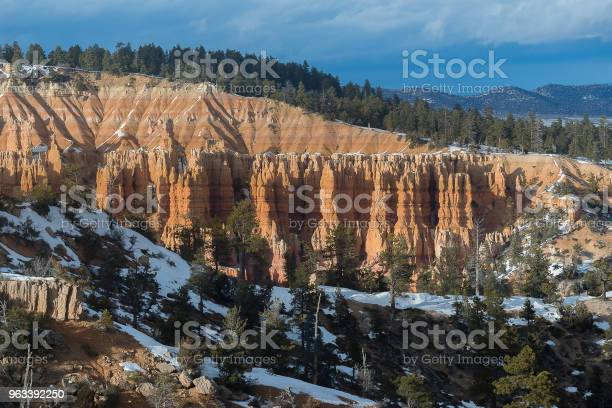 Kanion Bryce Podczas Zachodu Słońca - zdjęcia stockowe i więcej obrazów Amfiteatr