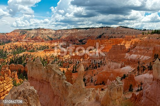 Shadow and light with the hoodoo rock formations in Bryce Canyon, Bryce Canyon national park, Utah, United States of America (USA).