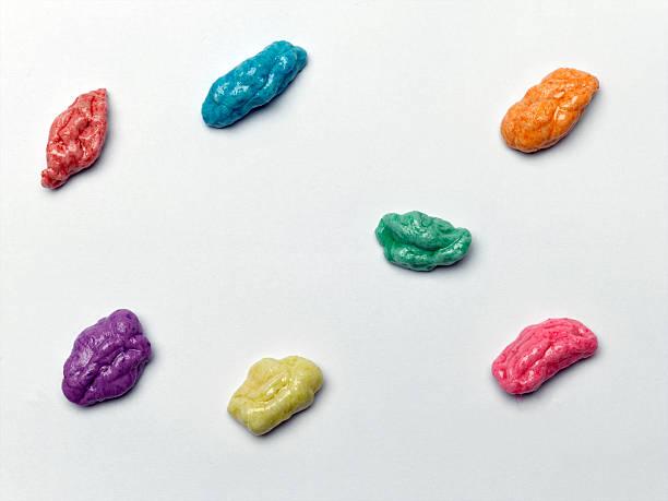 bubble gum - kauwgom stockfoto's en -beelden