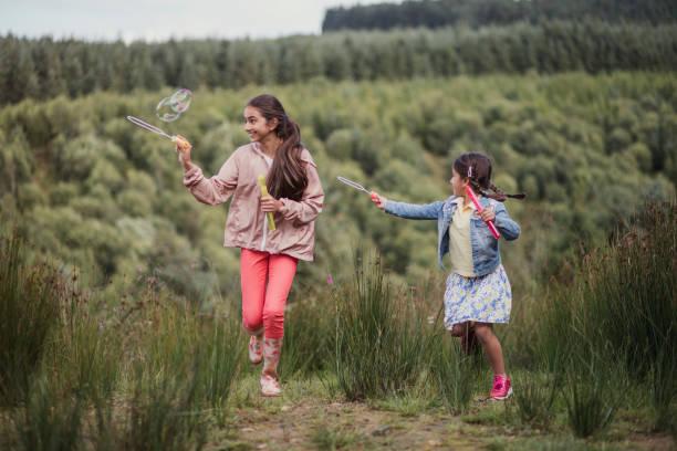 blase-making in the woodlands - schuhe auf englisch stock-fotos und bilder