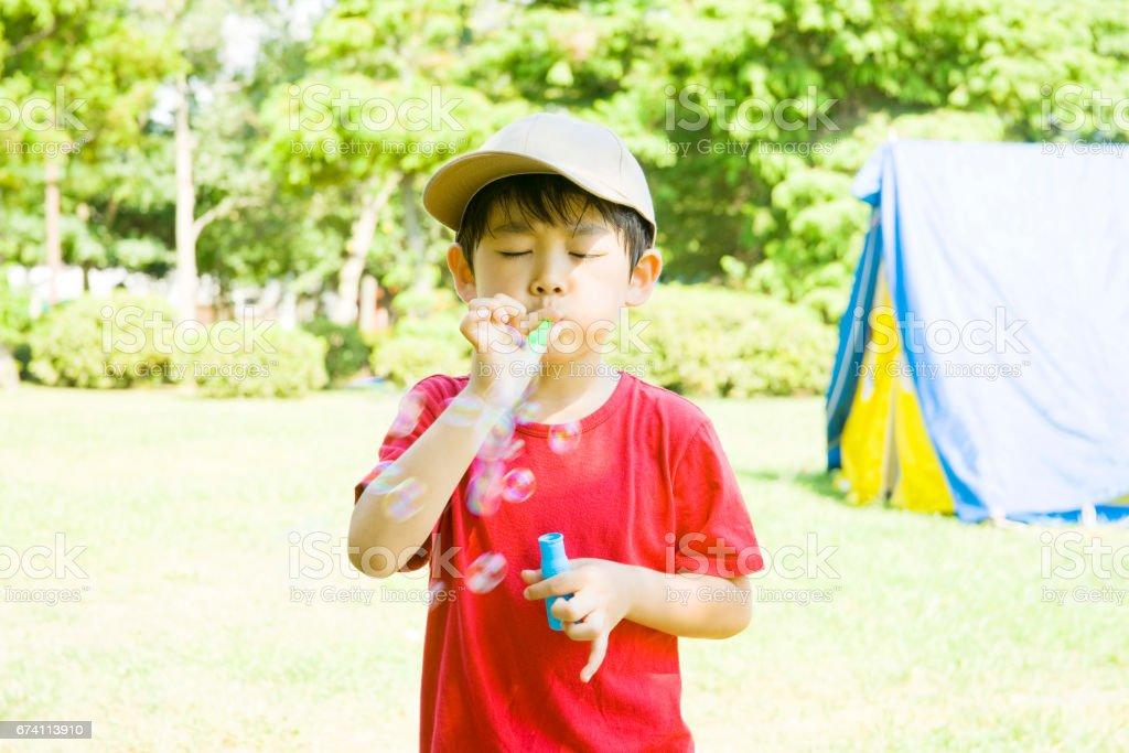泡沫使球男孩 免版稅 stock photo
