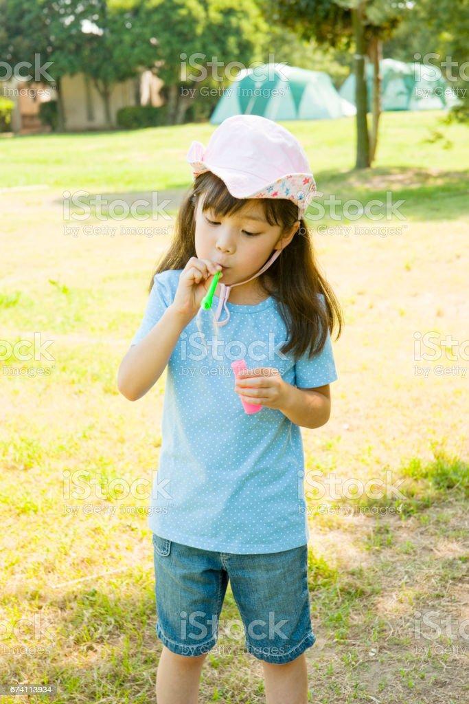 泡沫讓球女孩 免版稅 stock photo