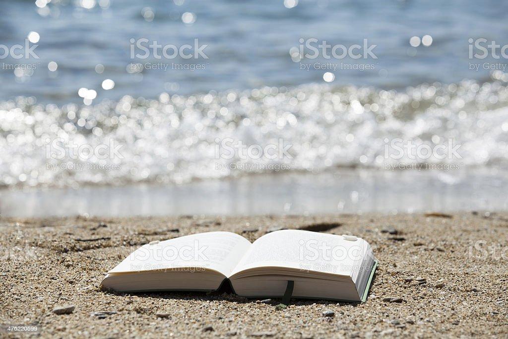 Buch mit Meeresglitzern stock photo