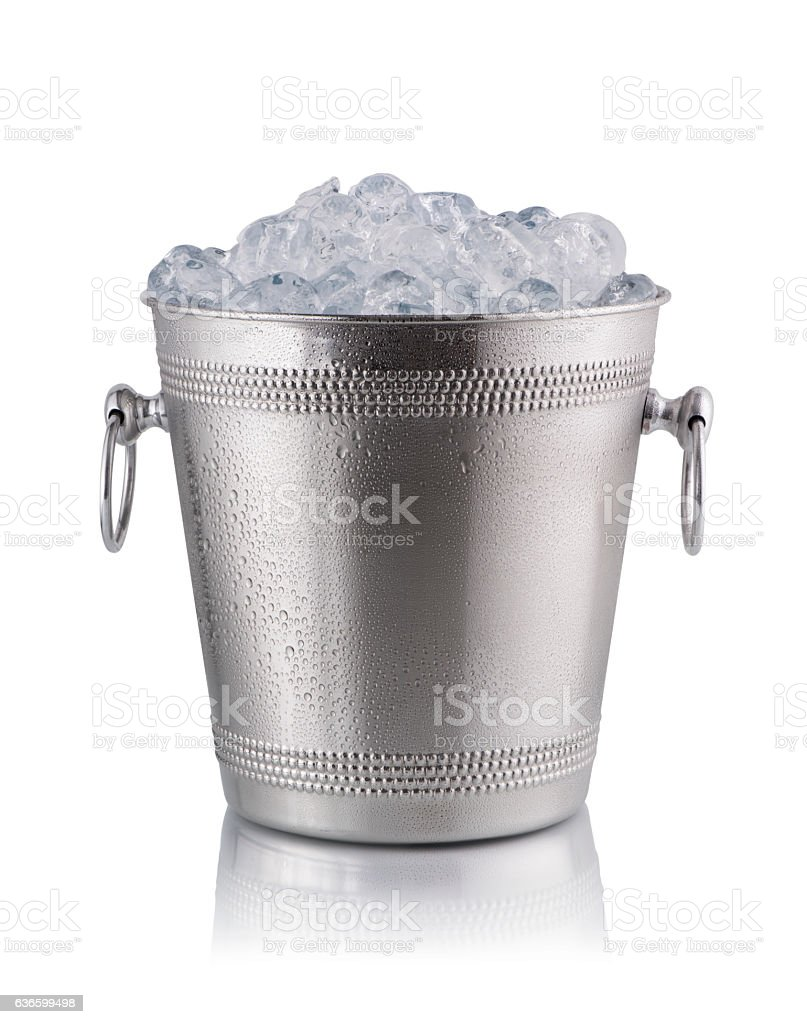bucket full with ice​​​ foto