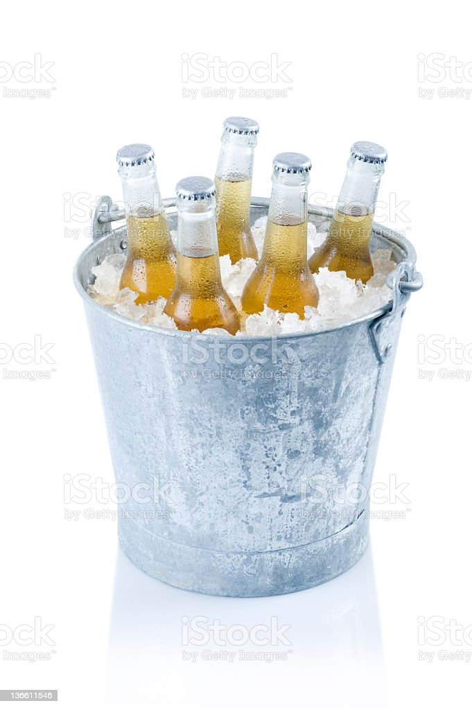 Balde de cerveja - foto de acervo