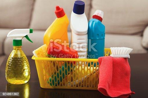 istock Bucket with sponges, chemicals bottles 924861362