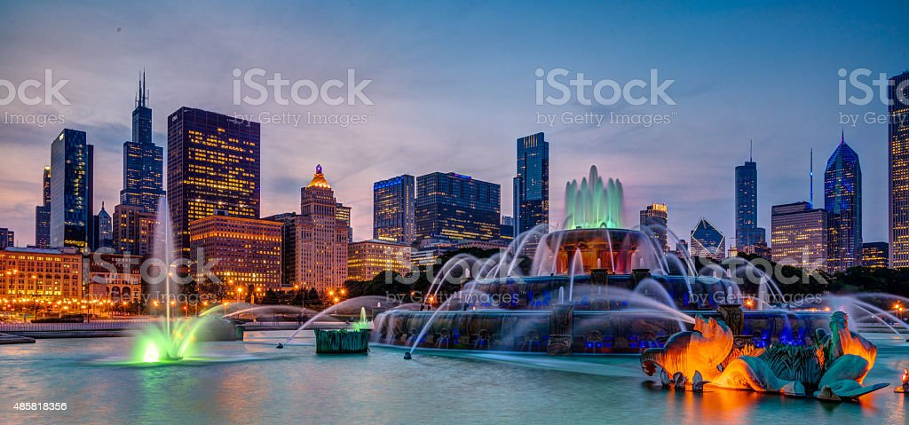 Buckingham Fountain and Skyline stock photo