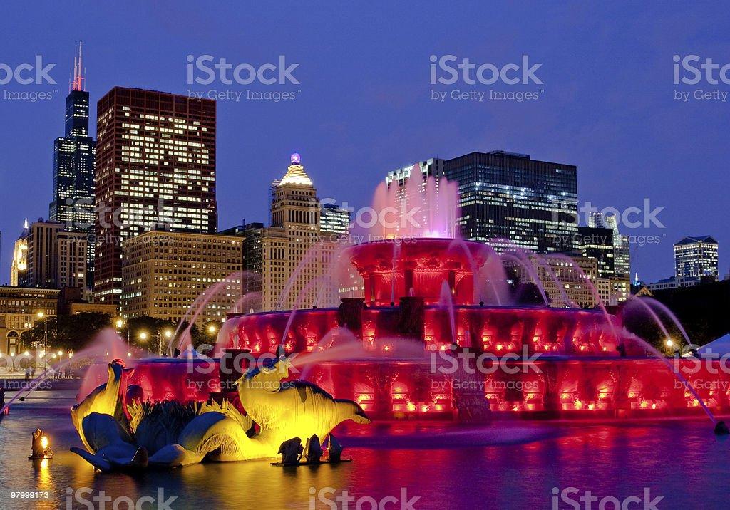 buckingham fountain chicago skyline royalty-free stock photo