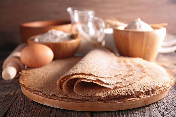 buckwheat crepe - boekweit stockfoto's en -beelden