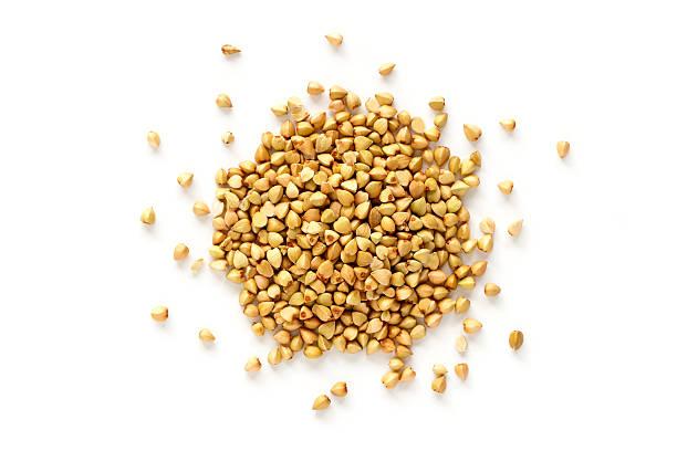 buckwheat grains - boekweit stockfoto's en -beelden