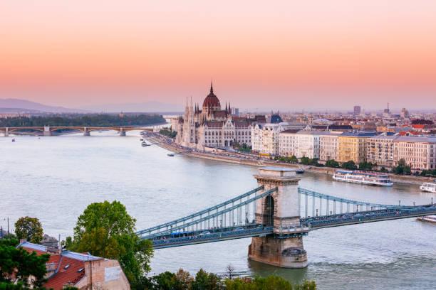 부다페스트, 헝가리 의회에서 일몰 - 다뉴브 강 뉴스 사진 이미지