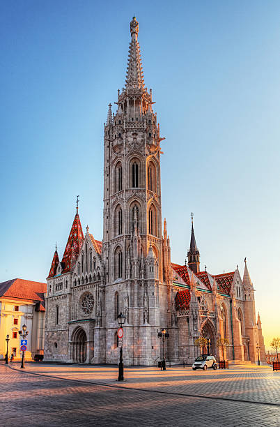 ブダペスト-マサイアス教会一日 - マーチャーシュ教会 ストックフォトと画像
