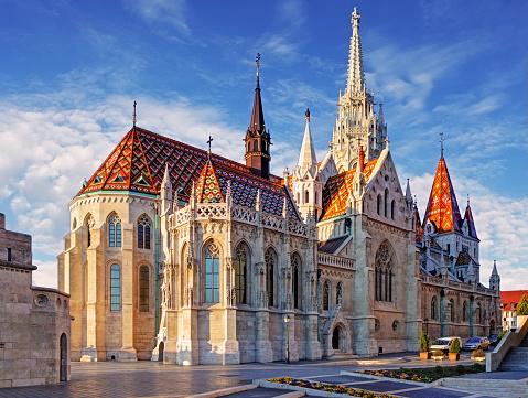 ブダペストマサイアス教会一日 - ゴシック様式のストックフォトや画像を多数ご用意