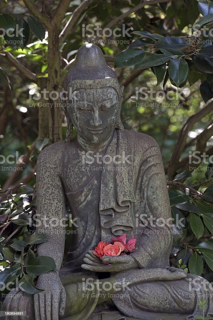 Buddhafigur Im Japanischen Garten Stock Photo Download Image Now