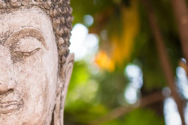 Estatua de Buddha en Tailandia - foto de stock