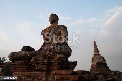 buddha status ancient historic figure