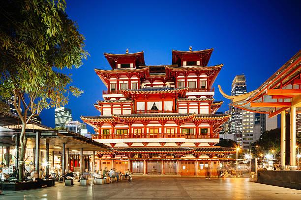 buddha tooth relic temple, singapore - chinatown stockfoto's en -beelden
