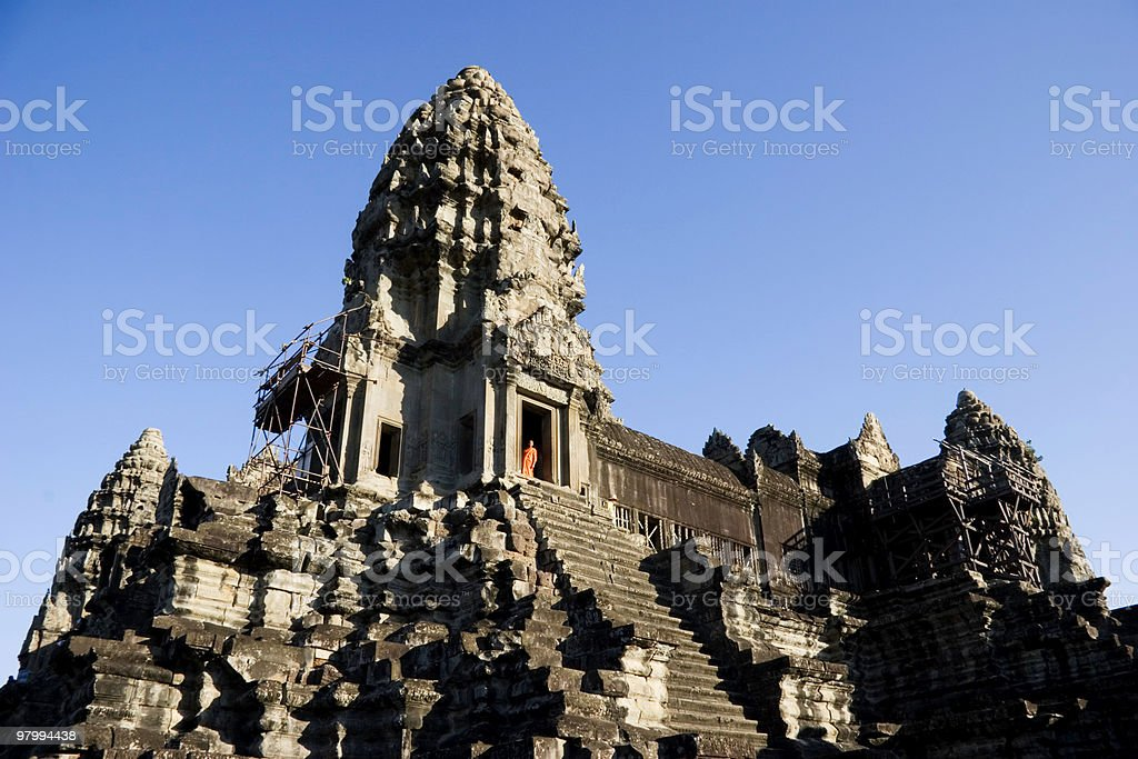 Buddhist Monk at Angkor Wat royalty free stockfoto
