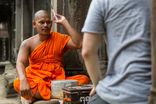 Buddhist Monk giving blessing – zdjęcie