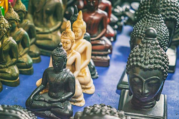 buddha figuren kaufen bilder und stockfotos istock. Black Bedroom Furniture Sets. Home Design Ideas