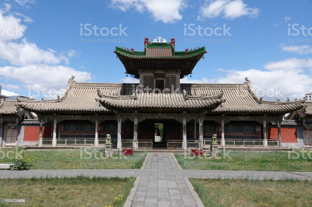 ボグド ハーンの冬宮殿で仏教寺...
