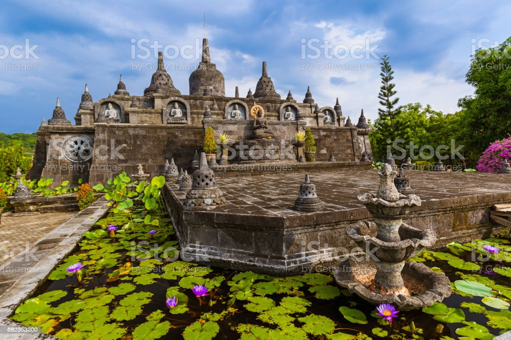 Buddhist temple of Banjar - island Bali Indonesia royaltyfri bildbanksbilder