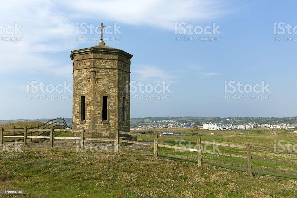 Bude tower por encima del punto de compás North Cornwall foto de stock libre de derechos