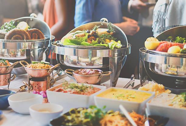 brunch-buffet speisen essen festliche café dining-konzept - brunch stock-fotos und bilder