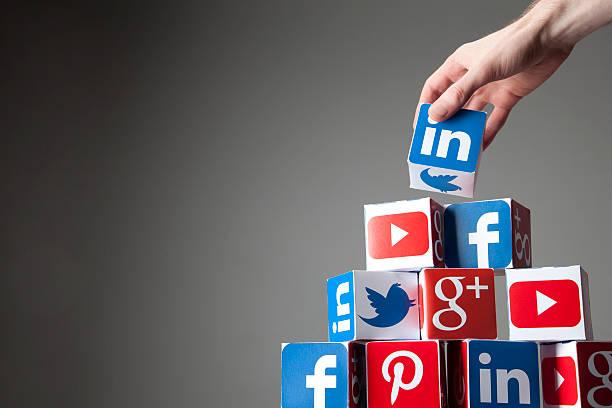 building a social network - linkedin bildbanksfoton och bilder
