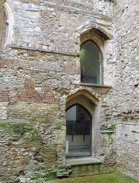 Building conservation Ruins of Winchester Palace in London restored. Winchester Palace was built in the 13th century as a home to the Bishops of Winchester. lancet arch stock pictures, royalty-free photos & images