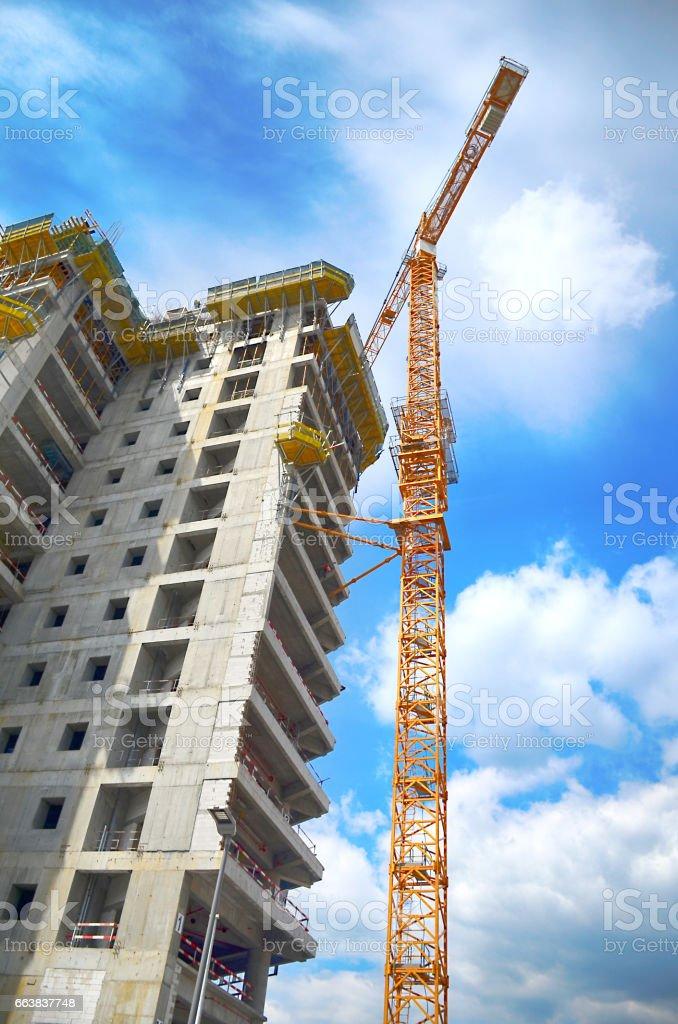 Gebäude Konstruktion mit Kranich  – Foto