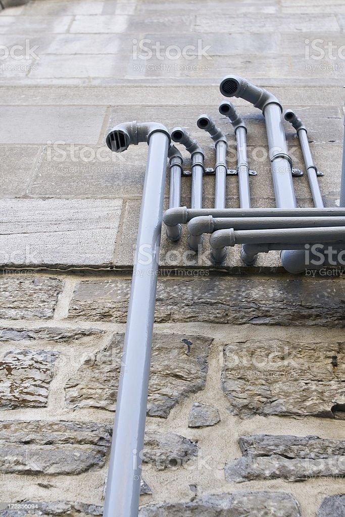 Edificio exhust tuberías foto de stock libre de derechos